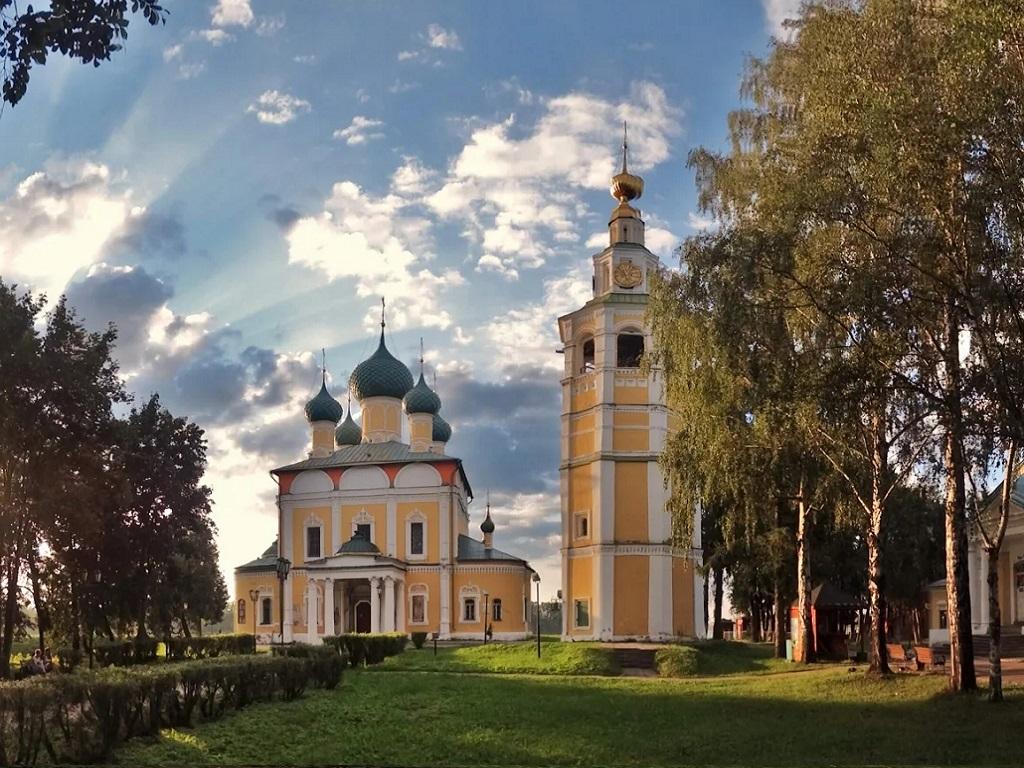 Стоянка в городе Углич