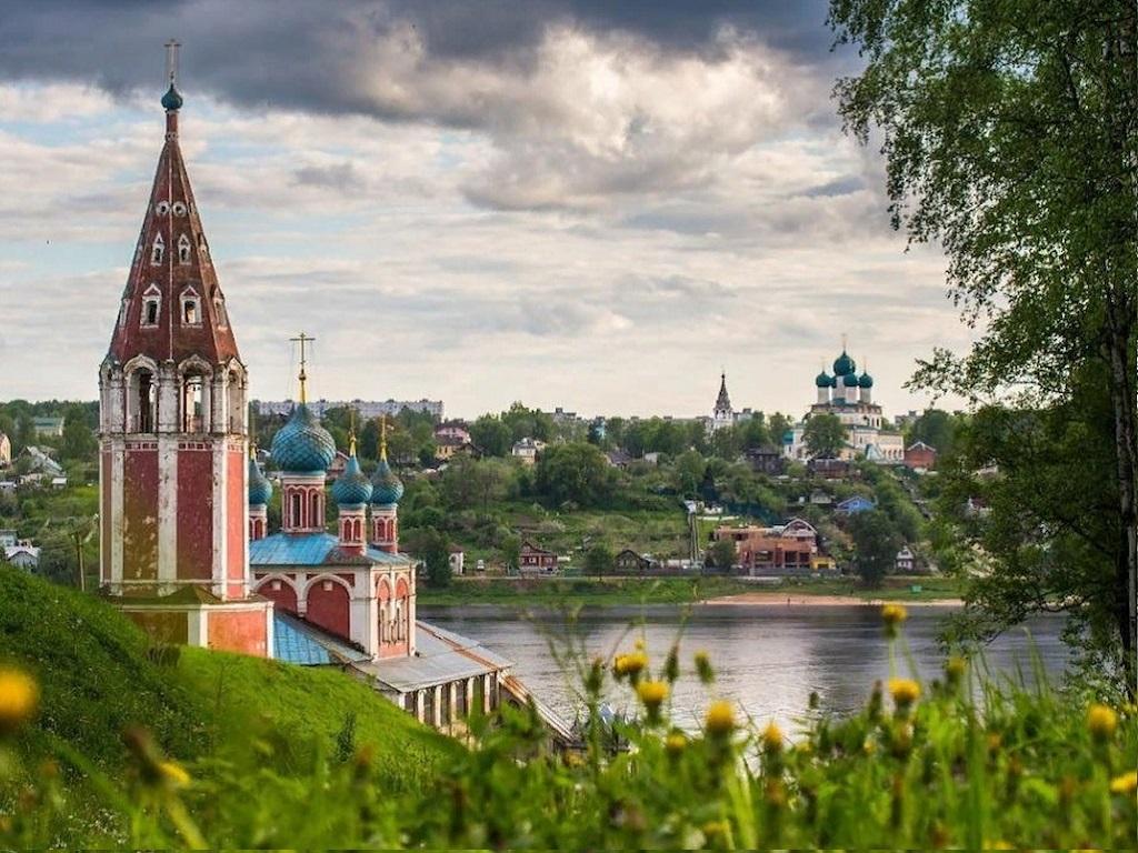 Стоянка в городе Тутаев